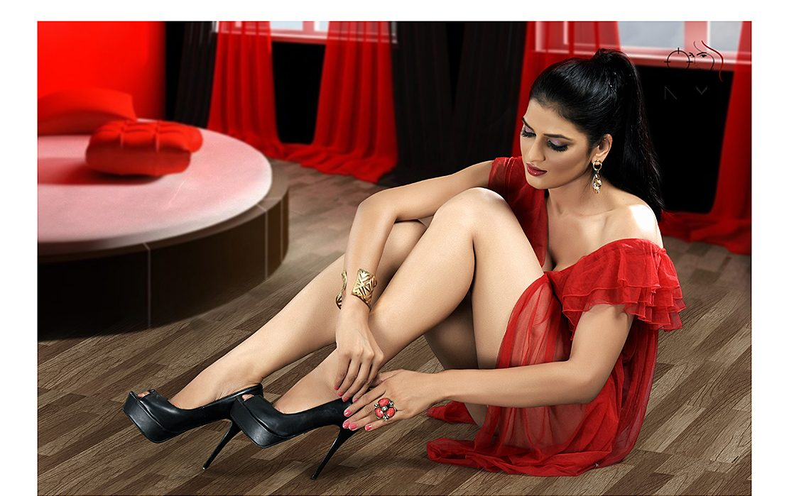 Indian female model pictures